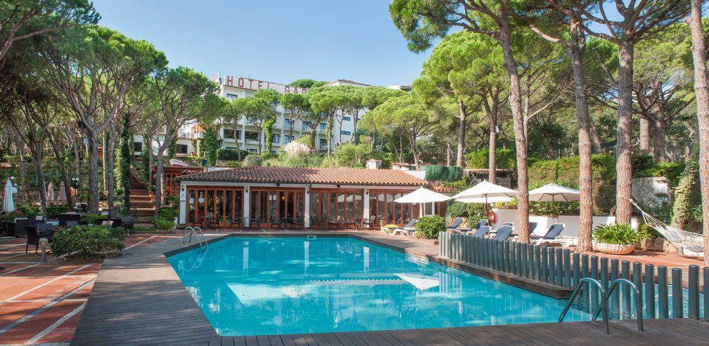 Hotel con piscina climatizada en la costa brava hotel garb - Hotel a pejo con piscina ...